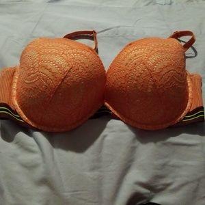38 DD  Victoria's Secret Bra